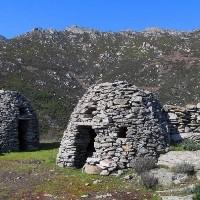 Elba Island's secrets: domes and menhir