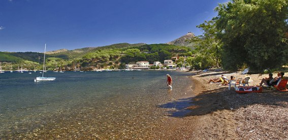 Magazzini beach Elba