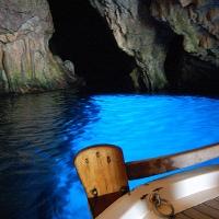 Grotta azzurra isola d elba for Quanto costa un uomo in grotta