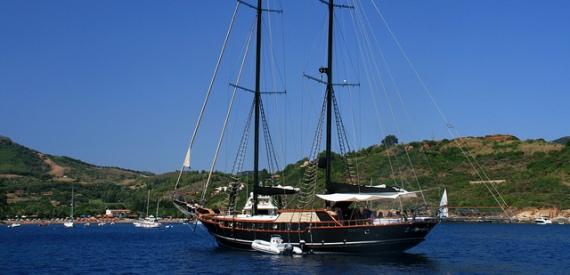 leggende dell'isola d'Elba: il tesoro di Porto Azzurro