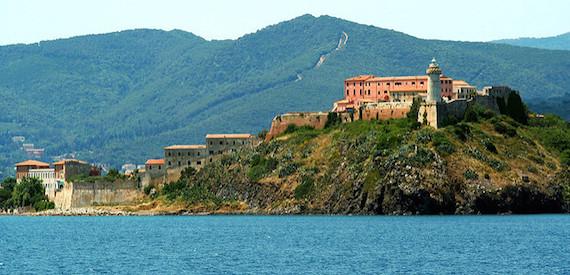 siti archeologici isola d'Elba