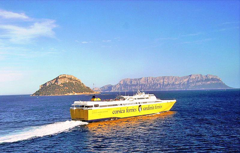 Traghetto Corsica Express II per l'Isola d'Elba